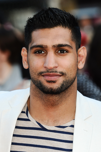 BOXER AMIR KHAN CAUGHT CHEATING ON WIFE  (3/4)