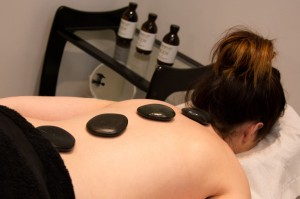 Hot stone massage - Exhale Therapy
