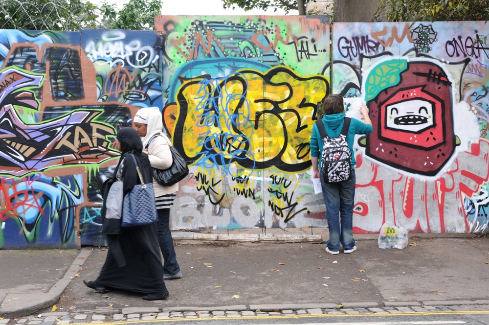 WHAT'S IT REALLY LIKE BEING BRITISH AND MUSLIM IN 2015? (1/6)